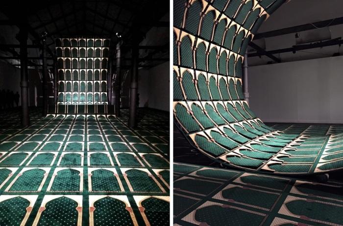 Faig Ahmed, Wave, tappeto, struttura di metallo, 2015